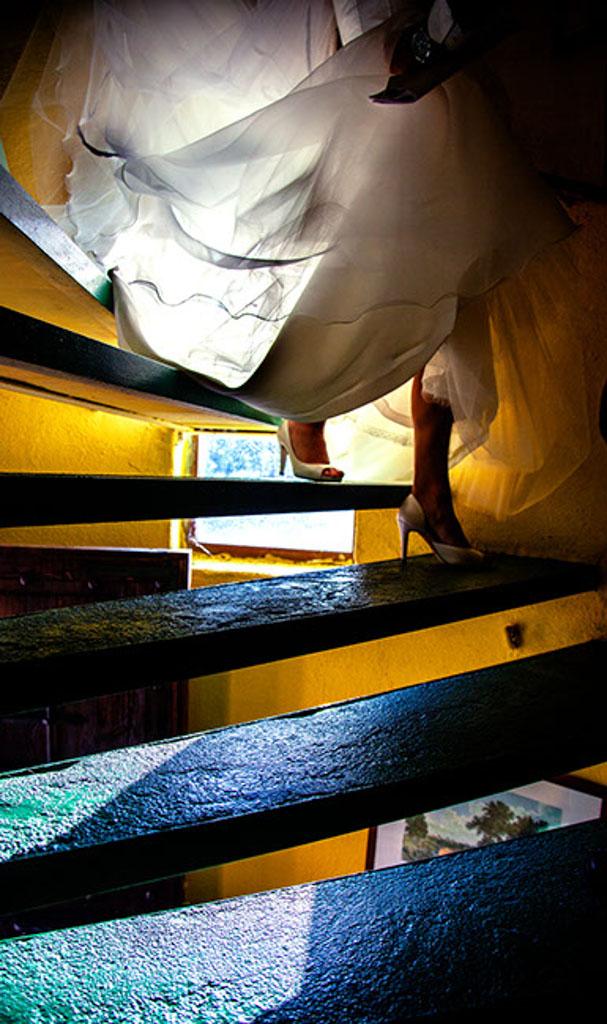fotochitabodas - fotografia de Boda Madrid - Santillana - El berrueco - zapatos novia